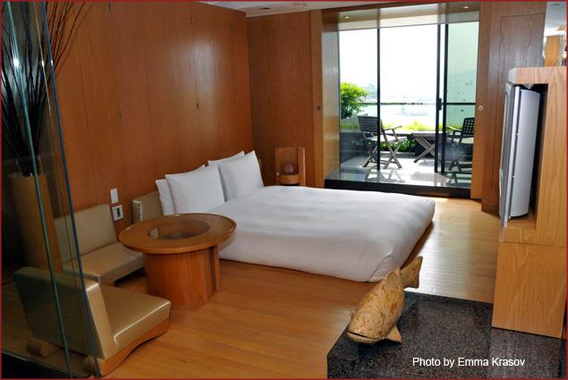 Grand Hyatt Residences Spa Room