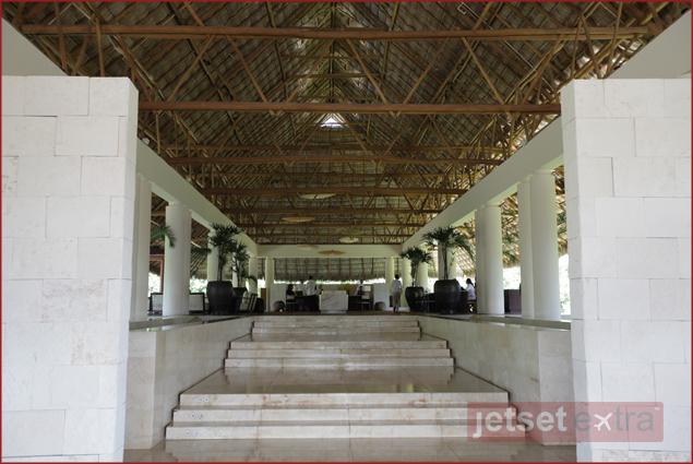 Mandarin Oriental Lobby Entrance