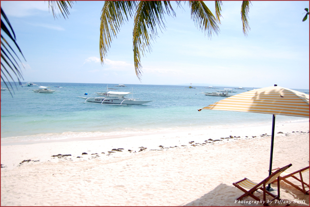 The white sands of Alona Beach