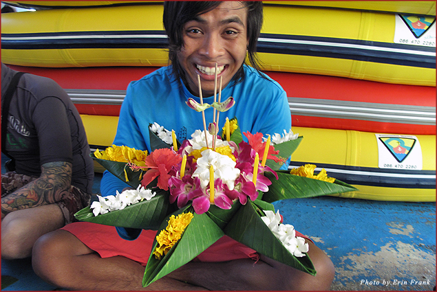 Your guide helps you create a Kratong