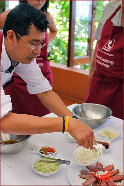 Chef Tummanoon teaches at Mom Tri's Villa Royale