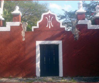 A doorway at Katanchel