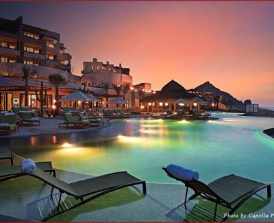 Capella Pedregal at night