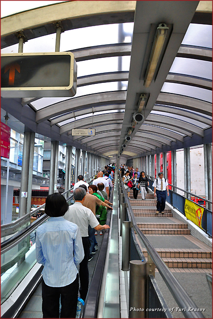 The Midlevel escalator in Hong Kong is the longest in the world