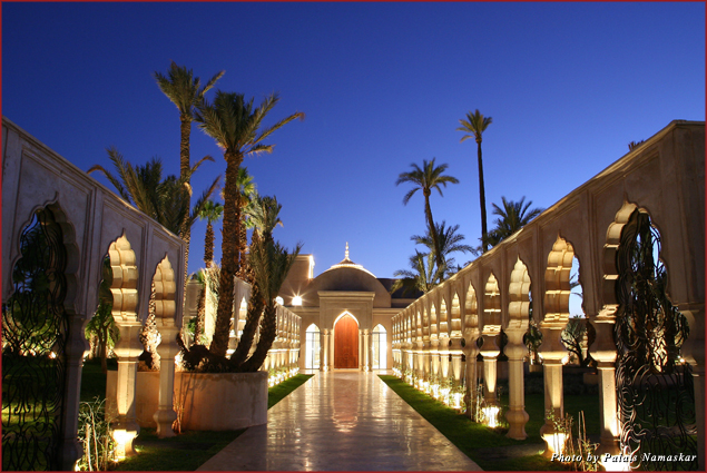 The entrance of Palais Namaskar guides New Year's guests to a gala dinner and an evening full of surprises