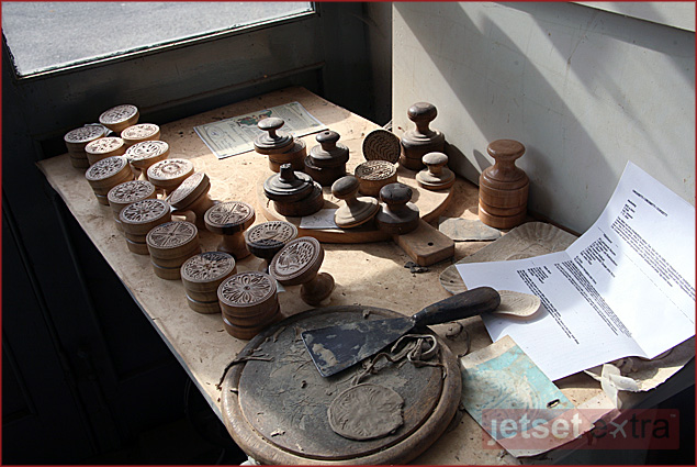 Croxetti stamps in the workshop of Pietro Picetti in Varese Ligure