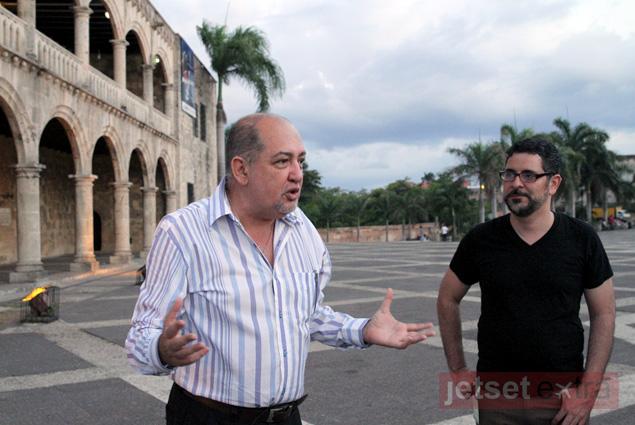Octavio speaks during our Santo Domingo walking tour