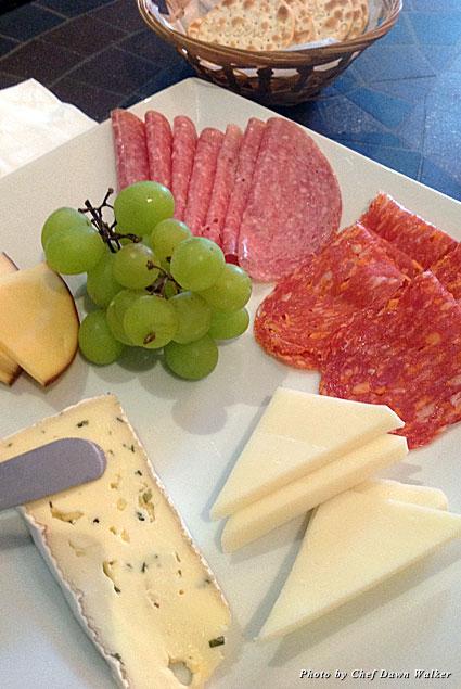 Cheese plate at Wine de Vine in San Pedro