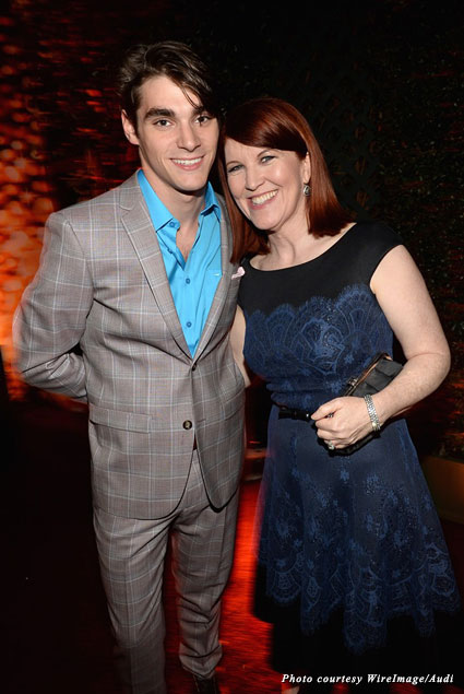 "RJ Mitte won't give up any ""Breaking Bad"" finale secrets to Kate Flannery at the Audi bash"