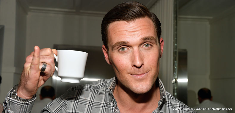 """The Mentalist"" star Owain Yeoman shows off the proper way to drink tea at the 2013 BAFTA LA TV Tea"