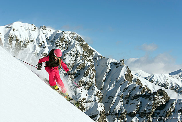 The resorts around Wanaka offer skiing to please any level