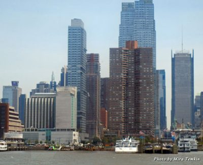 The New York skyline as seen from the Hudson River