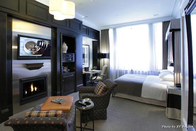 XV Beacon's luxurious guestroom