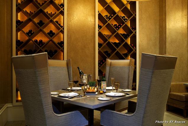 Mooo's dining room and wine displays