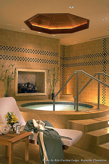 The whirlpool at the Ritz-Carlton Lodge, Reynolds Plantation spa