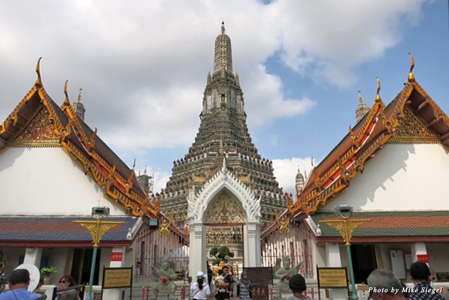 A view of Wat Arun (Temple of Dawn)