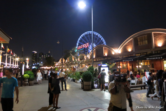 The Asiatique shopping/restaurant complex