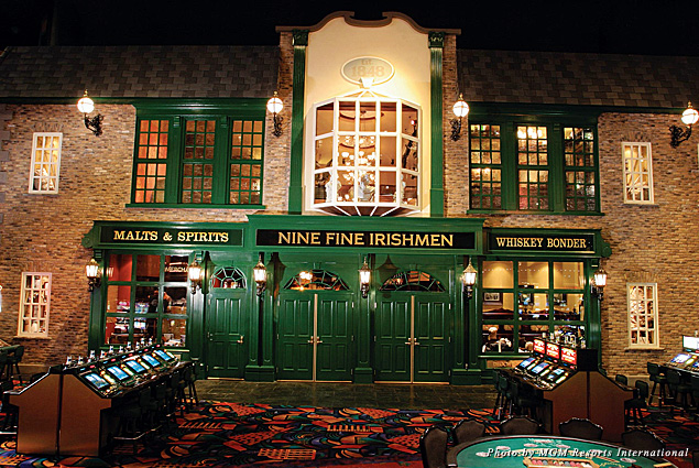 The entrance to Nine Fine Irishmen from the New York New York Hotel casino