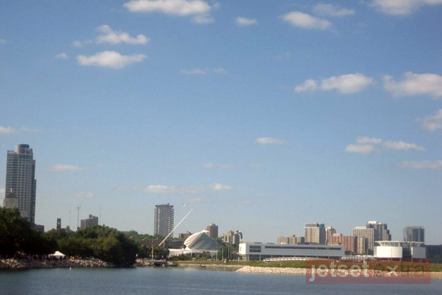 A view of Milwaukee from the Henry Maier Festival Park