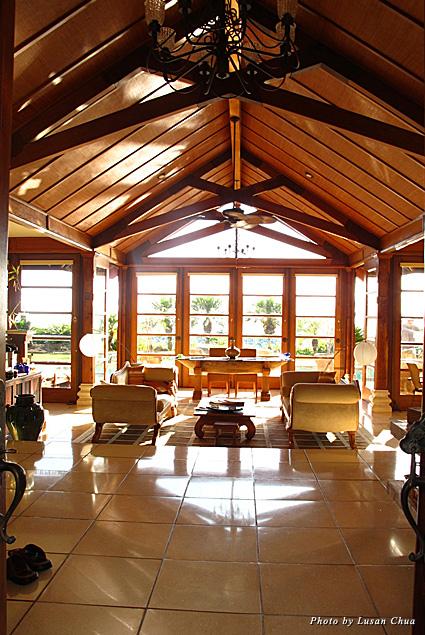 Ho'oilo House living room