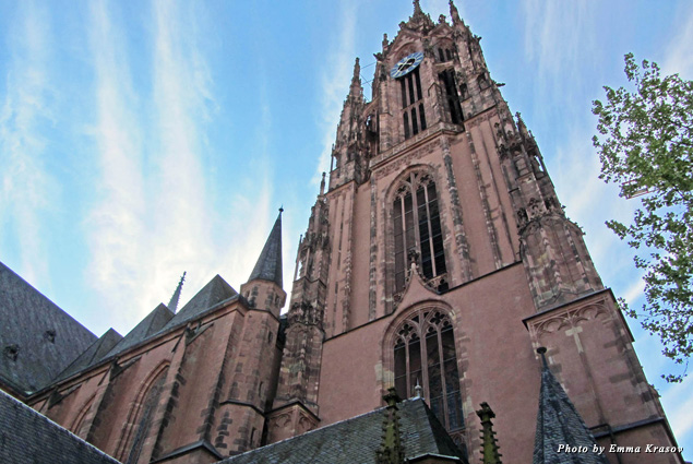 Frankfurt Cathedral was built in the 15th century