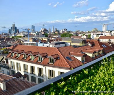 Taste an aperitivo overlooking the roofs of Milan city centre in Brera at Hotel Milano Scala