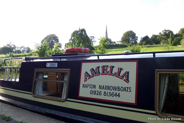 Cruising the Oxford Canal on the Amelia
