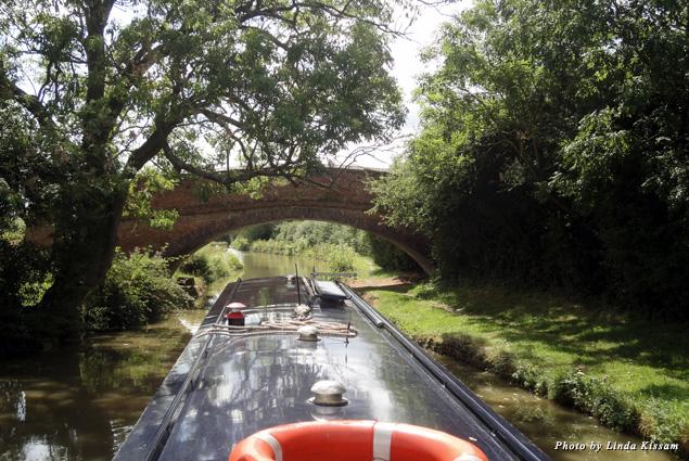 Crossing under a canal bridge