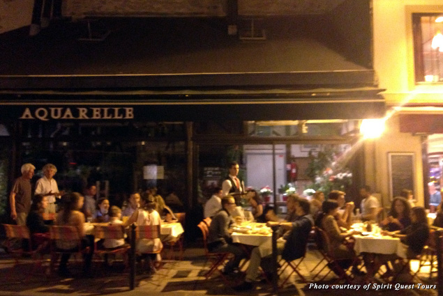 A Paris street café at night
