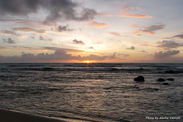 Kaua'i's spectacular orange-purple sunrises