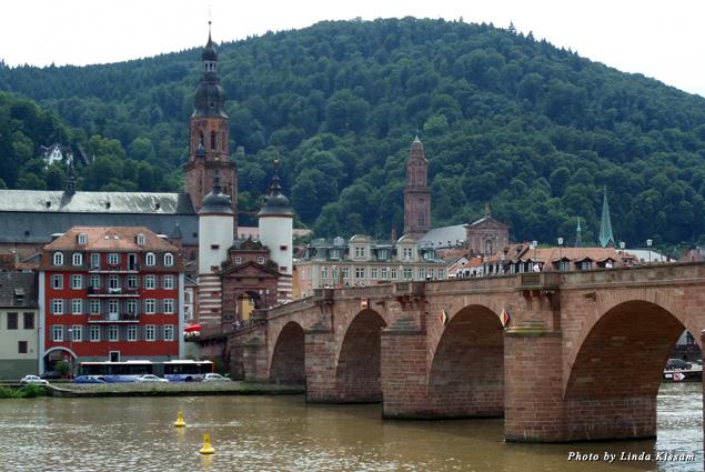 Old bridge to the Castle District