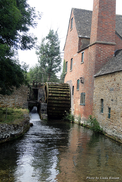 Cotswolds water wheel and mill