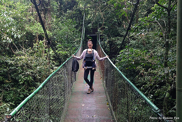 Claire and Jack on a bridge in the Monteverde cloud forest