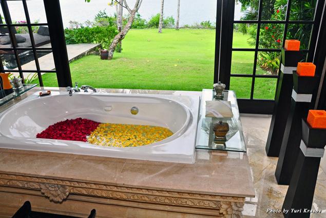 Flower bath at Cliff Villa