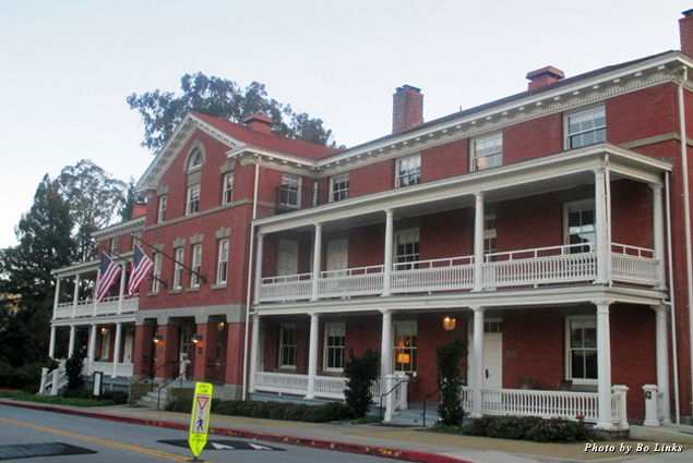 Exterior of the Inn at the Presidio