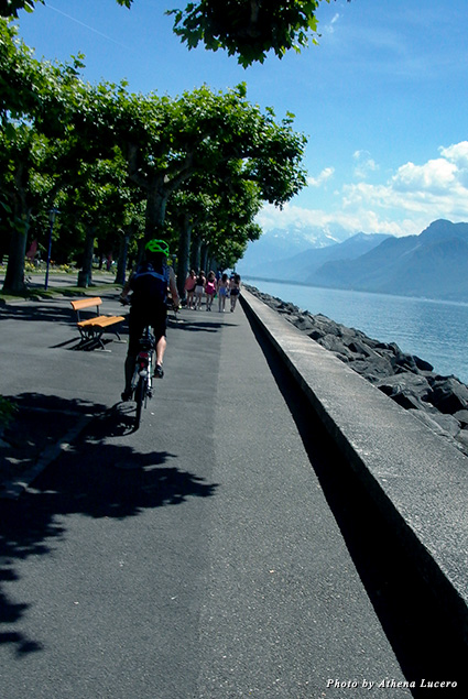 Bicycling along picture-perfect Lake Geneva in Vevey