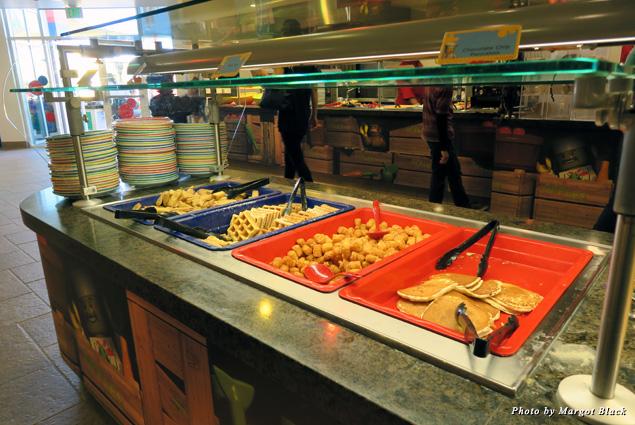 Kid-friendly buffet at the Legoland Hotel