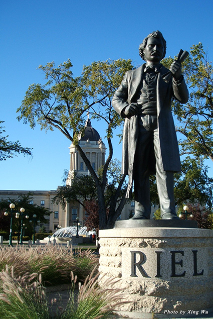 Statue of Louis Riel on the grounds of L'Université de Saint-Boniface