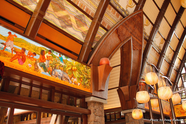 Aulani's entry is filled with traditional Hawaiian wood carvings and paintings
