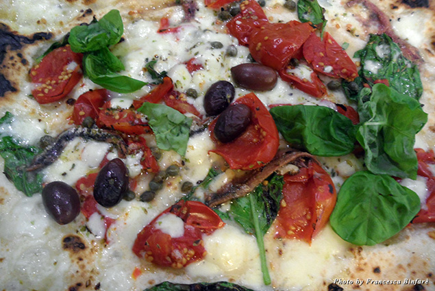 Neapolitan pizza with Cetara anchovies from Gino Sorbillo – Lievito Madre al Duomo