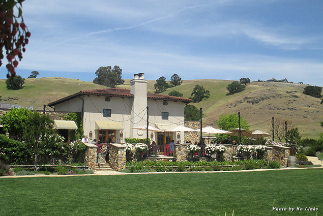 Exterior of Clos LaChance Winery