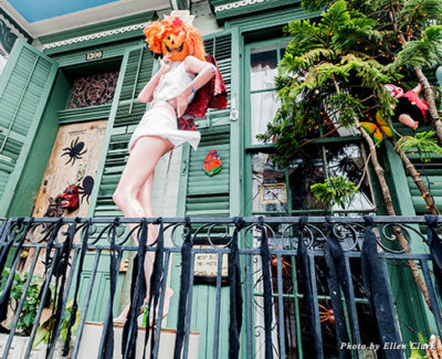 A house in the French Quarter decorated for Halloween
