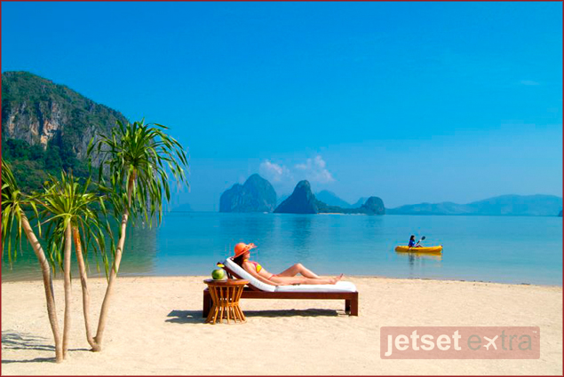 Jetset Extra The Extra: World's Best Eco Resorts: Sunbathe in one of the 45 islands and islets in Bacuit Bay