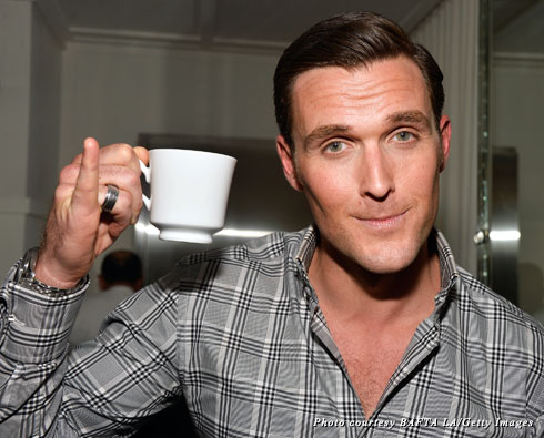 """The Mentalist"" star Owain Yeoman shows off the proper way to drink tea at the 2013 BAFTA LA TV Tea"